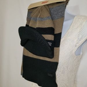 Levi's Hat and Scarf Set